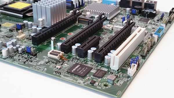 supermicro-x11sat-f-pcie-slots